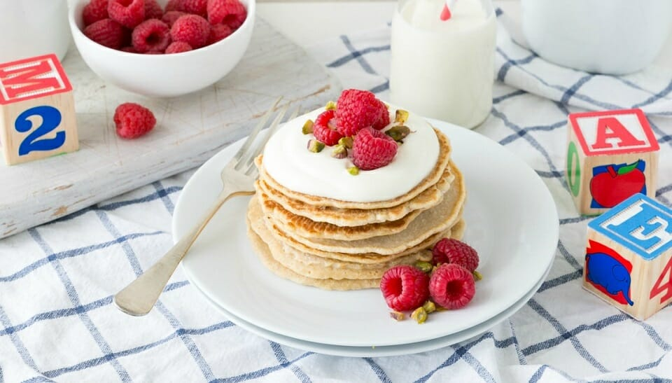 berry and pistachio kids pancakes