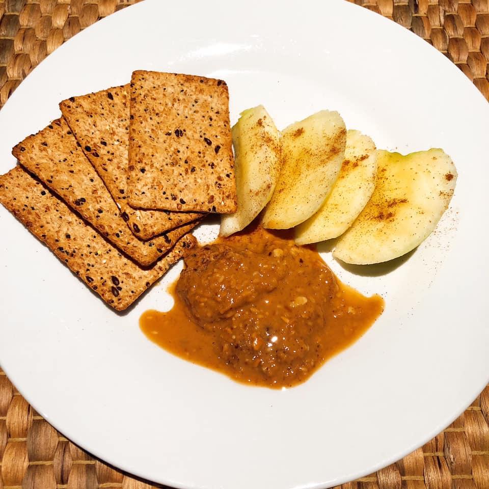 apple snack plate