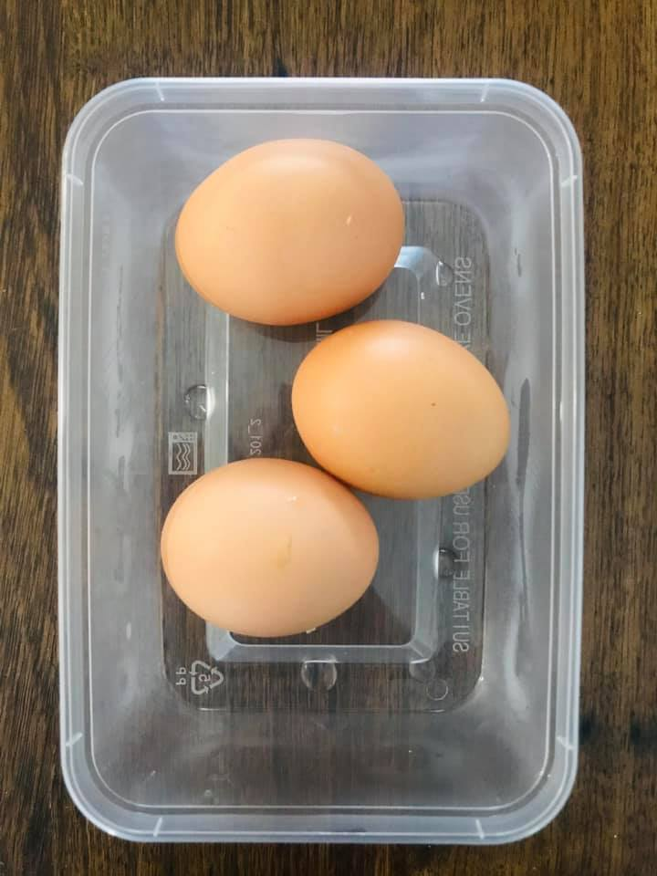 Beth Azzopardi meal prep eggs